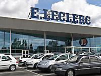 French people shopping in the supermarket E Leclerc..©shoutpictures.com..john@shoutpictures.com