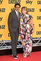 Grant Heslov mit Ehefrau Lysa Hayland bei der Premiere der TV-Miniserie 'Catch-22' im Space Cinema Moderno. Rom, 13.05.2019