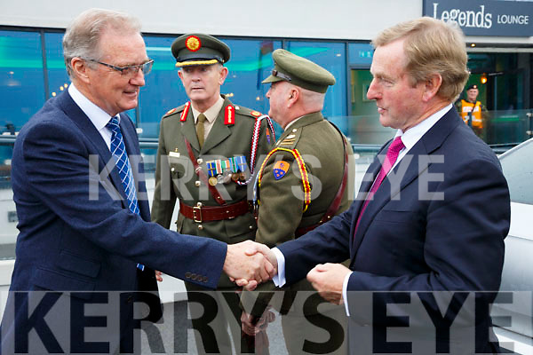Commandant Leo Quinlan Retired welcomes Former Taoiseach Enda Kenny to the Sea Lodge in Waterville for the unveiling a plaque to Colonel Patrick Quinlan and the men of 'A' Company also pictured bak l-r; Brigadier General Patrick Flynn(General Officer Commanding 1 Brigade, Collins Barracks, Cork) & Major David Galvin(HQ 1 Brigade).