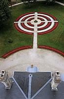 Europe/France/Aquitaine/33/Gironde/Saint-Laurent-Médoc: Château Larose Trintaudon (AOC Haut-Médoc) - Le toit du Château et les jardins