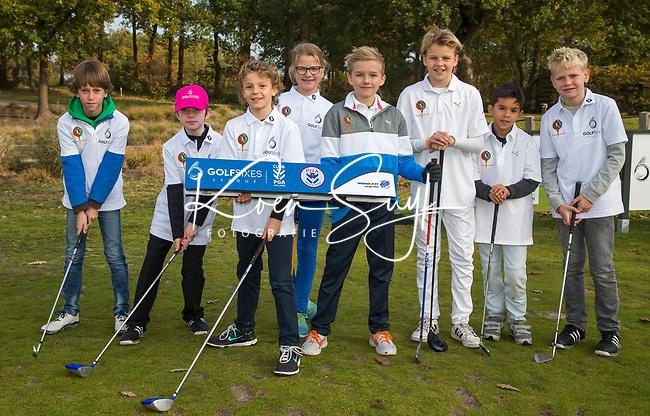 EEMNES - Team Nuspeetse. Finales National Golfsixes League, georganiseerd door PGA Holland. Houtrak, De Goyer, Midden Brabant en Nunspeetse.  Houtrak (blauw shirt) wint van De Goyer (oranje). COPYRIGHT KOEN SUYK