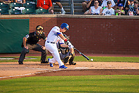 Max Kepler (40) of the Chattanooga Lookouts bats during a game between the Jackson Generals and Chattanooga Lookouts at AT&T Field on May 8, 2015 in Chattanooga, Tennessee. (Brace Hemmelgarn/Four Seam Images)