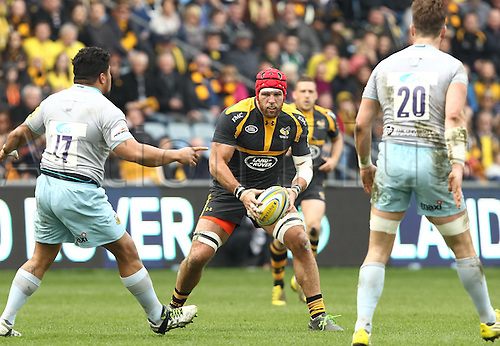 03.04.2016. Ricoh Arena, Coventry, England. Rugby Aviva Premiership. Wasps versus Northampton Saints. Wasps James Haskell in action.