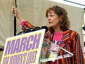 """Actress Susan Sarandon speaks at the """"March for Women's Lives"""" in Washington, DC on April 25, 2004..Credit: Ron Sachs / CNP"""