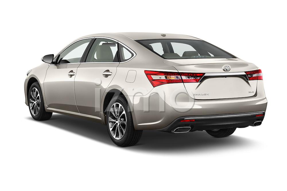 Car pictures of rear three quarter view of 2018 Toyota Avalon XLE 4 Door Sedan Angular Rear