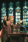 Sentinel/Dan Irving.Acclaimed writer and poet Maya Angelou speaks to Hope College students and faculty at Dimnent Memorial Chapel on Monday evening..4/16/01