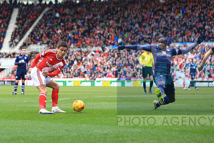 Jelle Vossen of Middlesbrough strikes at goal - Middlesbrough vs. Leeds United - Skybet Championship - Riverside Stadium - Middlesbrough - 21/02/2015 Pic Philip Oldham/Sportimage