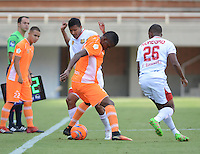 ENVIGADO-COLOMBIA- 23-02-2017. Acción de juego entre el Envigado FC y el Rionegro FC durante encuentro  por la fecha 5 de la Liga Aguila I 2017 disputado en el estadio Polideportivo Sur./ Action game between  Envigado FC and Rionegro FC during match for the date 5 of the Aguila League I 2017 played at Polideportivo Sur stadium . Photo:VizzorImage / León Monsalve / Contribuidor