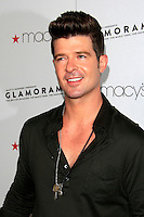LOS ANGELES - SEP 7:  Robin Thicke arrives at the Macy's Passport 30th Glamorama at Orpheum Theater on September 7, 2012 in Los Angeles, CA