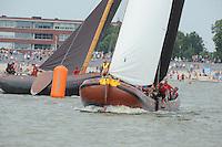 ZEILEN: LEMMER: Lemster baai, 31-07-2014, SKS skûtsjesilen, Grouster skûtsje met voorop Anne Tjerkstra, ©foto Martin de Jong