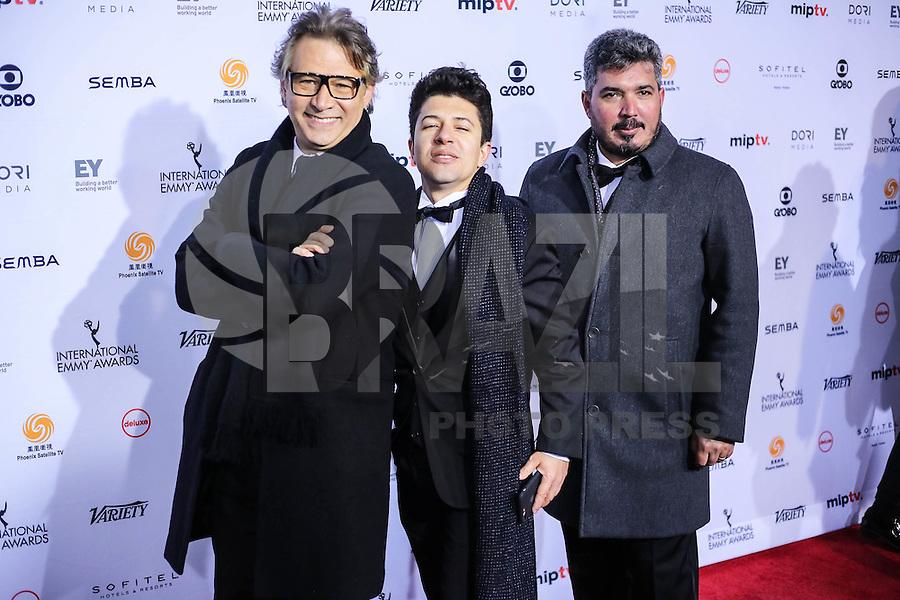 NEW YORK, NY 21.11.2016 - EMMY-2016 - Ator Nelson Freitas (esquerda) durante tapete vermelho do Emmy Internacional 2016 prêmio dos melhores atores e novelas da TV, em Nova York, nos Estados Unidos na noite desta segunda-feira, 21. (Foto: Vanessa Carvalho/Brazil Photo Press)