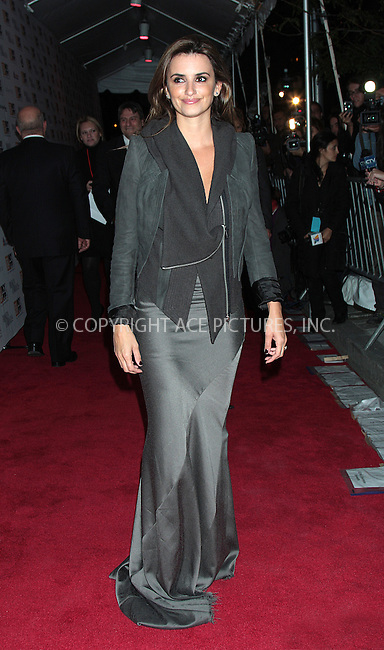 WWW.ACEPIXS.COM . . . . .  ....October 11 2009, New York City....Actress Penelope Cruz attends the premiere of ''Broken Embraces'' at Alice Tully Hall, Lincoln Center on October 11, 2009 in New York City.....Please byline: AJ Sokalner - ACEPIXS.COM.... *** ***..Ace Pictures, Inc:  ..(212) 243-8787 or (646) 769 0430..e-mail: picturedesk@acepixs.com..web: http://www.acepixs.com