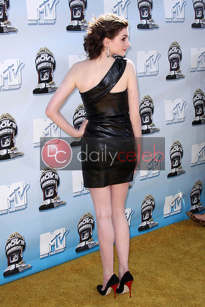 Anne Hathaway<br />at the 2008 MTV Movie Awards. Gibson Amphitheatre, Universal City, CA. 06-01-08<br />Dave Edwards/DailyCeleb.com 818-249-4998