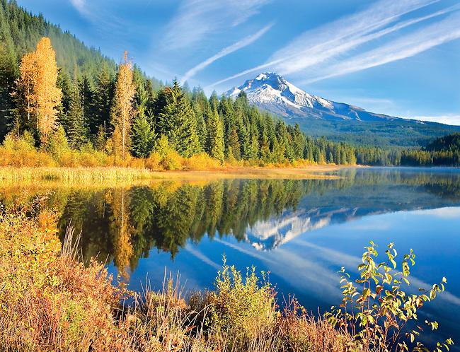 Mt. Hood reflecting in Trillium Lake in the autumn, Oregon, USA