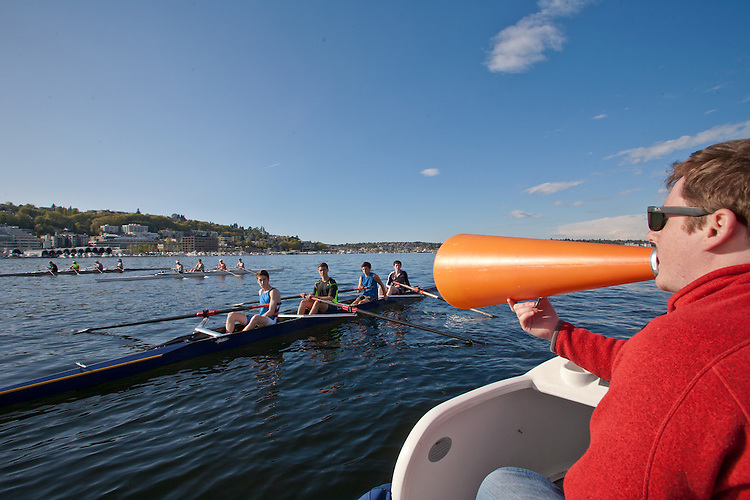 Rowing, Seattle, Seattle Rowing Center, rowing schools, Tom Kellett coaching middle school, high school rowers, workout, Lake Union, Seattle skyline,