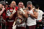 Mike Alvarado gano a Brando rios por desicion unanime coronandoce campeon mundial de la OMB