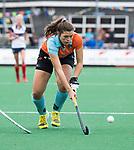 HUIZEN  -  Marijke Wuite (Gro)  , hoofdklasse competitiewedstrijd hockey dames, Huizen-Groningen (1-1)   COPYRIGHT  KOEN SUYK