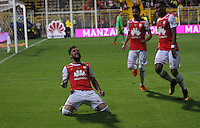 BOGOTA -COLOMBIA, 8-10-2016.  Jonathan Gómez jugador de Independiente Santa Fe   celebra su gol contra  Jaguares FC  durante encuentro  por la fecha 15 de la Liga Aguila II 2016 disputado en el estadio Metropolitano de Techo./Jonathan Gómezplayer of Santa Fe  celebrates his goal against  of  Jaguares FC during match for the date 15 of the Aguila League II 2016 played at Metropolitano de Techo stadium . Photo:VizzorImage / Felipe Caicedo  / Staff