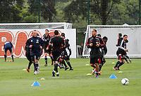 Jogadores do Ajax durante treino  no CT da Barra Funda na Manhã de hoje na zona oeste de São Paulo.FOTO ALE VIANNA - NEWS FREE.