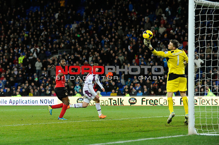 Cardiff City's David Marshall pulls of a great save in the last minute of the game denying Aston Villa's Andreas Weimann a late goal -    11/02/2014 - SPORT - FOOTBALL - Cardiff - Cardiff City Stadium - Cardiff City v Aston Villa - Barclays Premier League<br /> Foto nph / Meredith<br /> <br /> ***** OUT OF UK *****