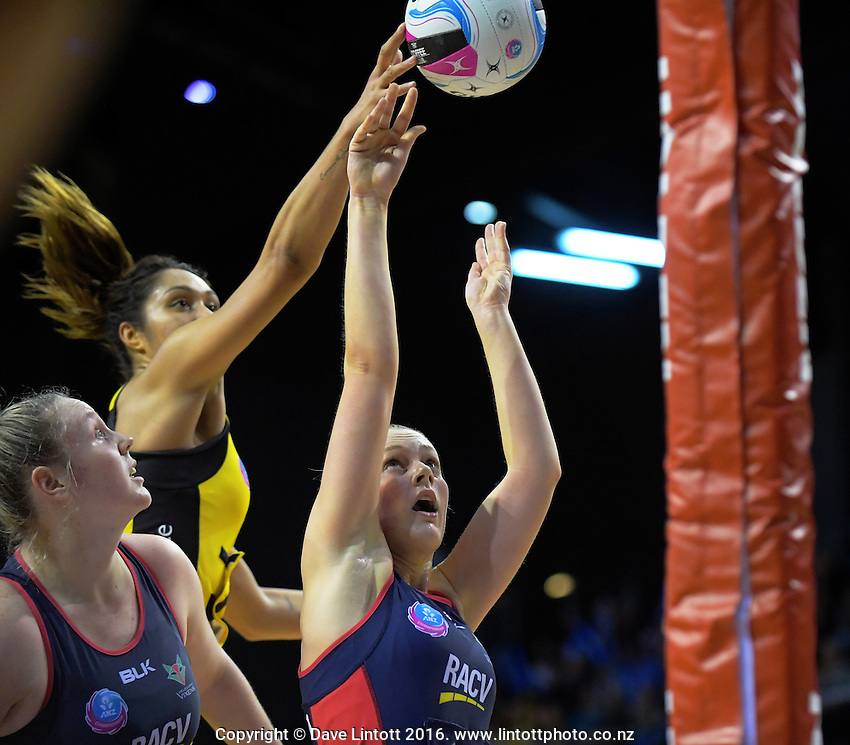 Action from the ANZ Championship netball match between the Central Pulse and Melbourne Vixens at TSB Bank Arena, Wellington, New Zealand on Monday, 4 June 2016. Photo: Dave Lintott / lintottphoto.co.nz