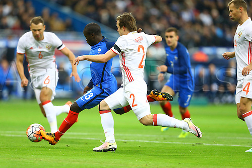 29.03.2016. Stade de France, Paris, France. International football friendly. France versus Russia.  N Golo Ngolo Kante (France) challanged by Oleg Kuzmin (Rus)