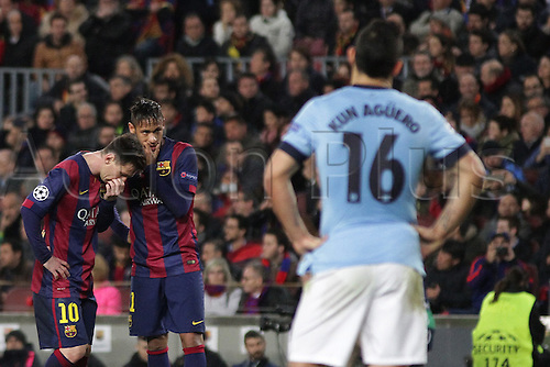 18.03.2015. Nou Camp, Barcelona, Spain.  Champions League Football. Barcelona versus Manchester City. Messi and Neymar discuss a free kick
