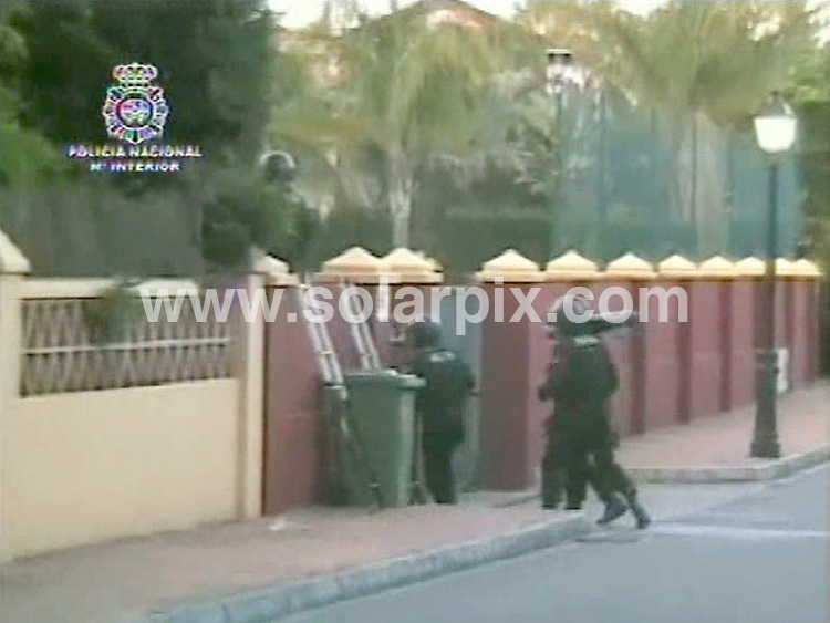 **ALL ROUND PICTURES FROM SOLARPIX.COM**.**WORLDWIDE SYNDICATION RIGHTS**.Pictures show the police operation against the Kinahan family near Estepona on the Costa del Sol in Spain. Alleged to be a large criminal gang operating along the Costa del Sol, the gang own millions of pounds worth of property in Southern Spain, and as far a field as Brazil. Costa del Sol, Spain. 26 May 2010.Full story by Tom Worden (Tag News Media) +34 680 152 448..This pic: Pictures show the police operation at dawn on 25 May 2010..JOB REF: 11327 AB1 DATE: 26_05_2010.**MUST CREDIT SOLARPIX.COM OR DOUBLE FEE WILL BE CHARGED**.**MUST AGREE FEE BEFORE ONLINE USAGE**.**CALL US ON: +34 952 811 768 or LOW RATE FROM UK 0844 617 7637**