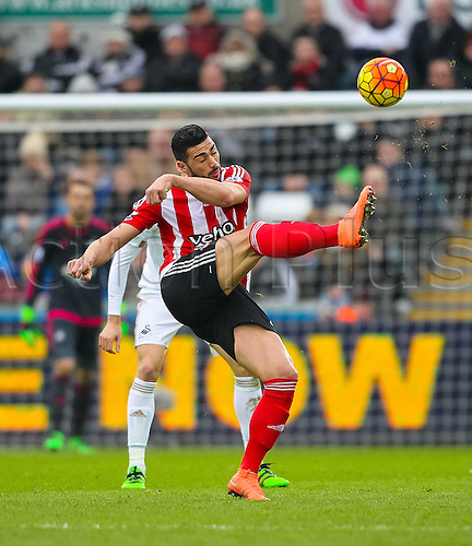 13.02.2016. Liberty Stadium, Swansea, Wales. Barclays Premier League. Swansea versus Southampton. Southampton's Graziano Pellè in acrobatic action during the match