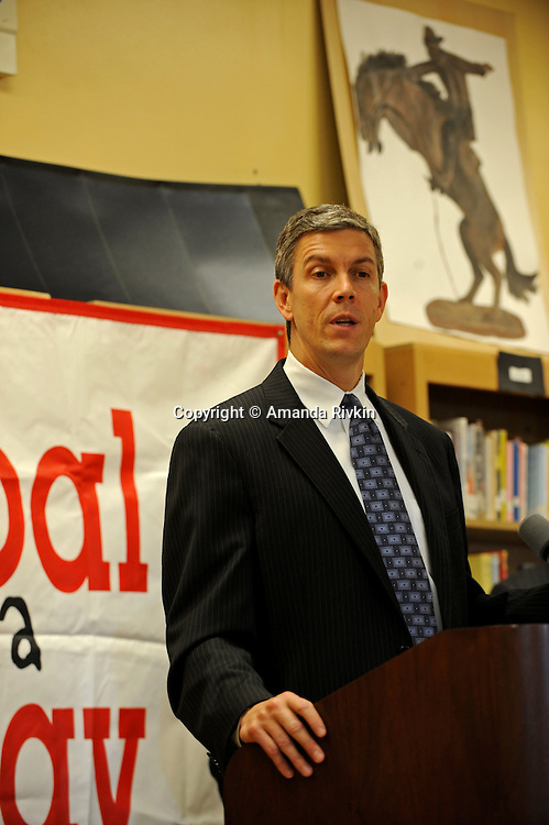 """Arne Duncan, the Chief Executive Officer of the Chicago Public Schools, CPS, speaks at a press conference for Mayor Daley's """"Principal for a Day"""" program of corporate sponsorship and volunteerism in the Chicago Public Schools at Talcott Elementary School, 1840 W. Ohio St., in Chicago, Illinois on October 17, 2008."""