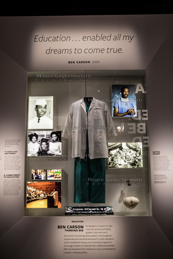 Washington- National Museum of African American History and Culture<br /> Ben Carson, medico di colore