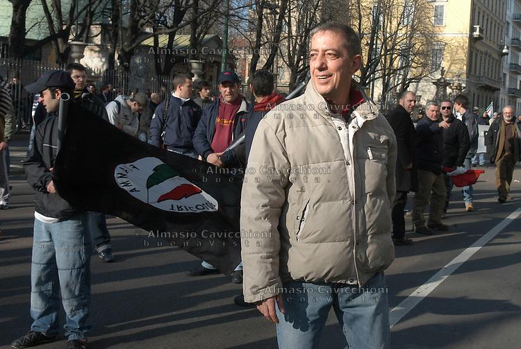 11 MAR 2006 Milano: raduno dei fascisti della Fiamma Tricolore. MAURIZIO BOCCACCI,  MOVIMENTO POLITICO OCCIDENTALE  .MAR 11 2006 Milan: meeting of the fascists of the mouvement Fiamma Tricolore. MAURIZIO BOCCACCI, WESTERN POLITICAL MOVEMENT