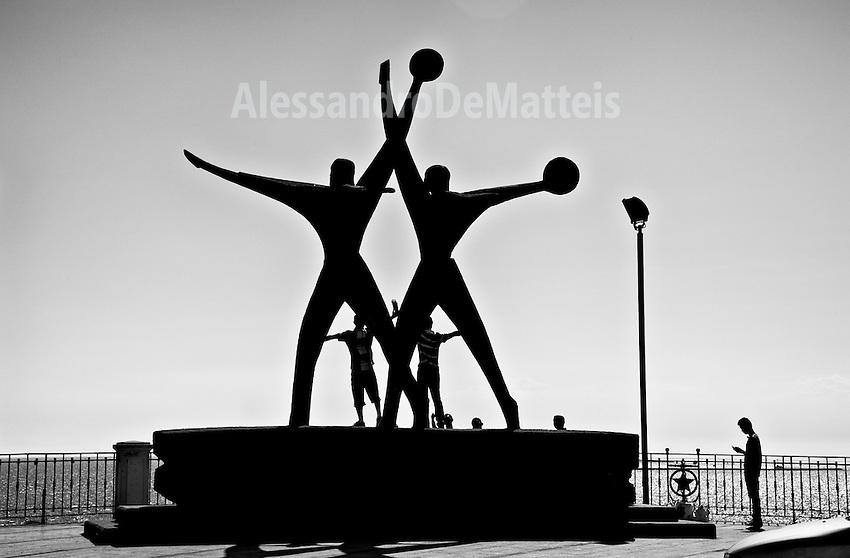 Taranto - Monumento al marinaio - 2012