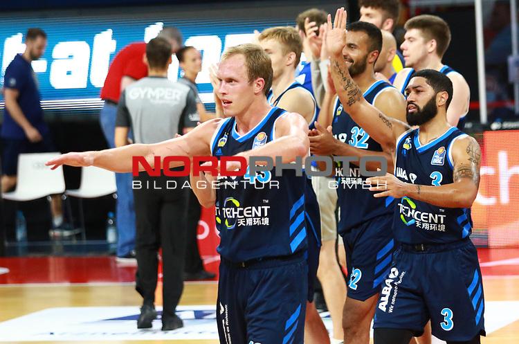 , 43 Luke Sikma, 3 Peyton Siva Alba Berlin jubel am Schluss<br /><br /><br />Basketball Finalturnier 2020, nph0001: Halbfinale Spiel 1  <br />22.06.2020<br /><br />FOTO: Mladen Lackovic / LakoPress /Pool / nordphoto<br /><br />Nur für journalistische Zwecke! Only for editorial use! <br />No commercial usage!