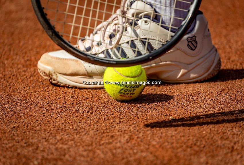 Hilversum, The Netherlands,  August 23, 2019,  Tulip Tennis Center, NSK, Kswiss shoe with Dunlop ball<br /> Photo: Tennisimages/Henk Koster