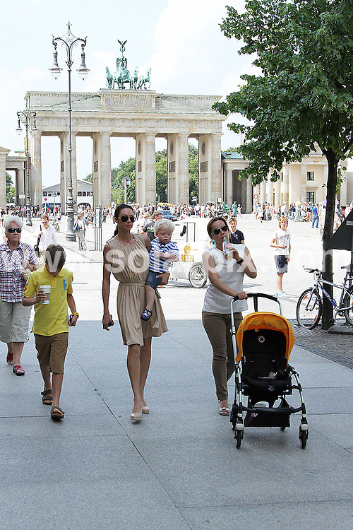 **ALL ROUND PICTURES FROM SOLARPIX.COM**                                             **UK AND SPAIN SYNDICATION RIGHTS ONLY**                                                                                  Caption: Wife of Boris Becker, Lily Sharlely Becker walking to the Starbucks in Berlin with her kids. Berlin, Germany. 7 July 2011    This pic: Lily Sharlely Becker                                                                                               JOB REF: 13682 CPR       DATE: 07_07_2011                                                           **MUST CREDIT SOLARPIX.COM OR DOUBLE FEE WILL BE CHARGED**                                                                      **MUST AGREE FEE BEFORE ONLINE USAGE**                               **CALL US ON: +34 952 811 768 or LOW RATE FROM UK 0844 617 7637**