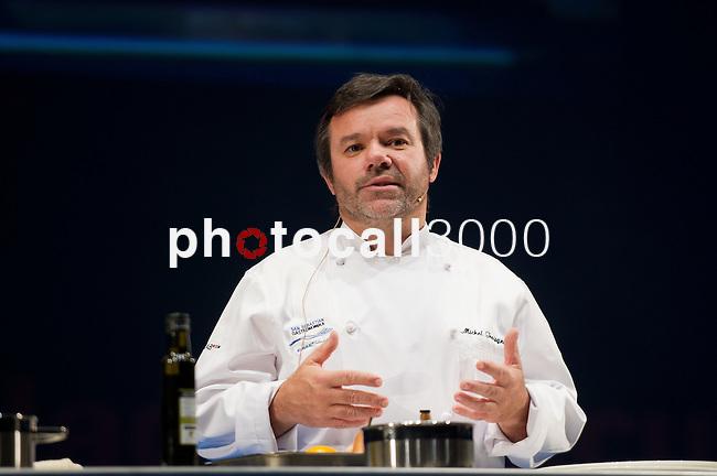 Michel Troisgros (Rest. Maison Troisgros (Roanne))durante su ponencia en la Feria de gastronomía San Sebastián Gastronomika. Congreso Internacional de Gastronomía con lo mejor de la gastronomía vasca, española y mundial.