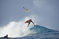 JORDY SMITH (ZAF) surfing at Teahupoo, Tahiti, (Friday May 15 2009.) Photo: joliphotos.com