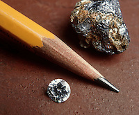 GRAPHITE &amp; DIAMOND: CARBON ALLOTROPES<br />