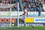 05.10.2019, Benteler Arena, Paderborn, GER, 1.FBL, SC Paderborn 07 vs 1. FSV Mainz 05<br /> <br /> DFL REGULATIONS PROHIBIT ANY USE OF PHOTOGRAPHS AS IMAGE SEQUENCES AND/OR QUASI-VIDEO.<br /> <br /> im Bild / picture shows<br /> Robin Quaison (FSV Mainz 05 #07) setzt sich gegen Sebastian Schonlau (Paderborn #13) durch und scheitert vor Leopold Zingerle (Paderborn #17), <br /> <br /> Foto © nordphoto / Ewert