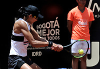 BOGOTÁ-COLOMBIA, 14-04-2019: Astra Sharma (AUS), devuelve la bola a Amanda Anisimova (USA), durante partido por la final del Claro Colsanitas WTA, que se realiza en el Carmel Club en la ciudad de Bogotá. / Astra Sharma (AUS), returns the ball against Amanda Anisimova (USA), during a match for the final of the WTA Claro Colsanitas, which takes place at Carmel Club in Bogota city. / Photo: VizzorImage / Luis Ramírez / Staff.