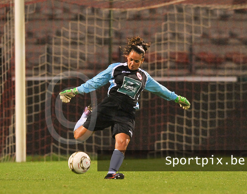 20130913 - ANTWERPEN , BELGIUM : Antwerp goalkeeper Leyla Bagci pictured during the female soccer match between Royal Antwerp FC Vrouwen / Ladies and K AA Gent Ladies at the BOSUIL STADIUM , of the fourth matchday in the BENELEAGUE competition. Friday 13 September 2013. PHOTO DAVID CATRY