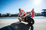Jerez Circuit. Jerez de la Frontera. 03.05.2014. The rider Cal Crutchlow in the box during the qualifying practice of MotoGP at Jerez de la Frontera