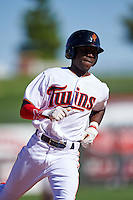 Surprise Saguaros Nick Gordon (11), of the Minnesota Twins organization, during a game against the Salt River Rafters on October 17, 2016 at Surprise Stadium in Surprise, Arizona.  Surprise defeated Salt River 3-1.  (Mike Janes/Four Seam Images)