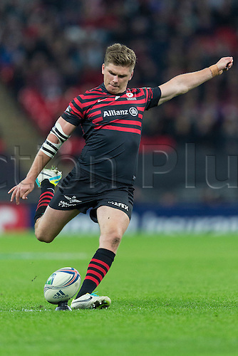 18.10.2013 London, England.  Owen FARRELL of Saracens lines up a penalty kick during the Heineken Cup Pool 3 game between Saracens and Toulouse from Wembley Stadium.