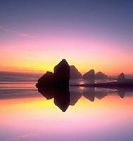Canon Beach , Oregon