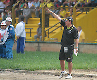 BUCARAMANGA -COLOMBIA, 04-08-2013. Guillermo Berrio técnico de Alianza Petrolera gesticula durante partido contra Equidad válido para la  fecha 2 de la Liga Postobón II 2013./ Alianza Petrolera coach Guillermo Berrio gestures during match against Equidad or the 2th date of the Postobon League II 2013. Photo:VizzorImage / Jaime Moreno / STR