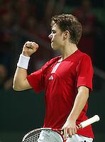 04-03-2006,Swiss,Freibourgh, Davis Cup , Swiss-Netherlands,  Stanislas Warinka is happy he wins the seccond set