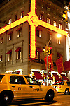 New York, New York. Etats Unis. 16 Decembre 2010.Midtown. Cinquieme Avenue (5eme Avenue)..New York, New York. United States. December 16th 2010.Midtown. Fifth Avenue (5th Avenue)..