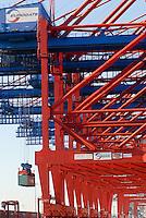 Germany Hamburg container terminal Eurogate / Deutschland Hamburg, Container Verladung bei Eurogate im Hamburger Hafen